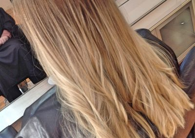 BLONDE FOILS TO OMBRE scaled